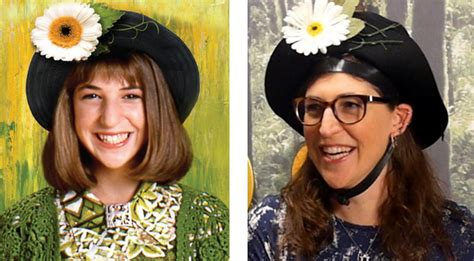 Mayim Bialik Tries on 'Blossom' Hat, Makes Everyone Feel