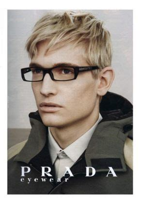 BREAKING: Zoolander-Esque Male Model Might Be A Homosexual