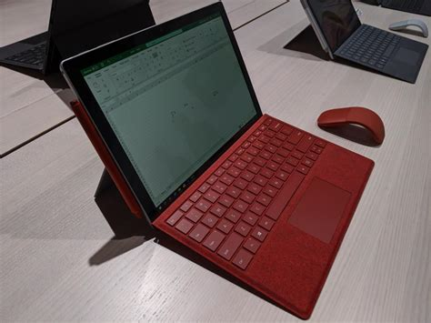 Hands on with the Microsoft Surface Pro 7: Ice Lake looks