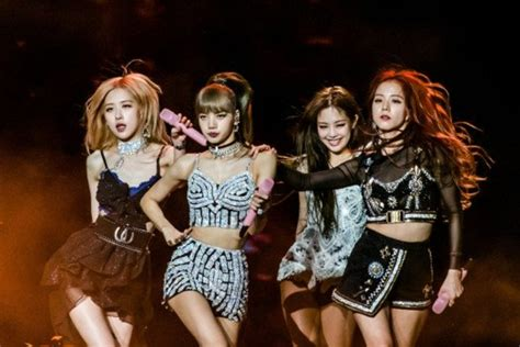 Top 10 Most Popular K-Pop Girl Groups (2020)   Spinditty