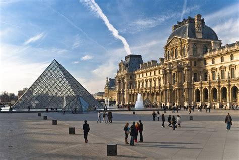 Louvre Museum - The Louvre is Paris's most renowned museum