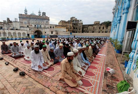 New Extremist Religious Groups Are Wrecking Pakistan   The